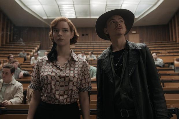 Suzy mới khởi nghiệp đã bị gái đẹp cờ vua Gambit Hậu hất cẳng khỏi Top 1, phim có gì hot mà ai cũng nô nức đi xem? - Ảnh 7.