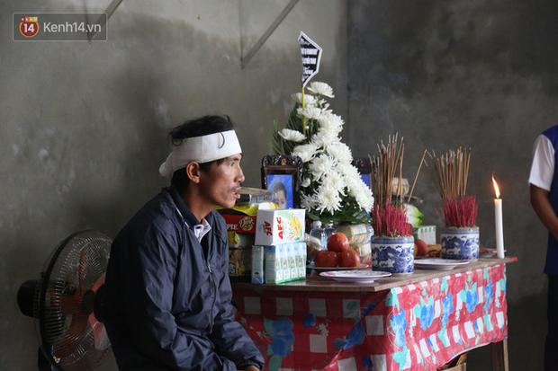 Nỗi đau tột cùng của đôi vợ chồng mất đi 2 người con trai do lũ cuốn ở Quảng Bình - Ảnh 4.