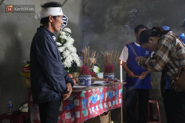 Nỗi đau tột cùng của đôi vợ chồng mất đi 2 người con trai do lũ cuốn ở Quảng Bình - Ảnh 6.