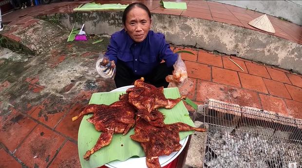 """Đàn cháu ăn đồ Bà Tân Vlog làm, khen với khuôn mặt """"giả trân"""" nhưng sự thật phía sau là gì?"""
