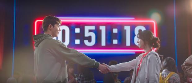 Suzy mê trai rớt liêm sỉ, biết bị lừa vẫn nhiệt tình gạ gẫm Nam Joo Hyuk về đội ở Start Up tập 4 - Ảnh 8.