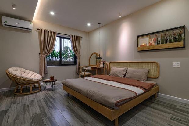 Ngôi nhà 62m2 ở Đà Nẵng có mặt tiền lệch tầng độc đáo, không gian bên trong tuy đơn giản nhưng cực chill - Ảnh 8.