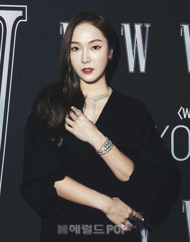 Gần nửa Kbiz đổ bộ sự kiện khủng: Park Min Young mặt cứng đờ, Jessica bị chê dừ chát, mỹ nhân Red Velvet đọ sắc bên Park Shin Hye - Ảnh 3.
