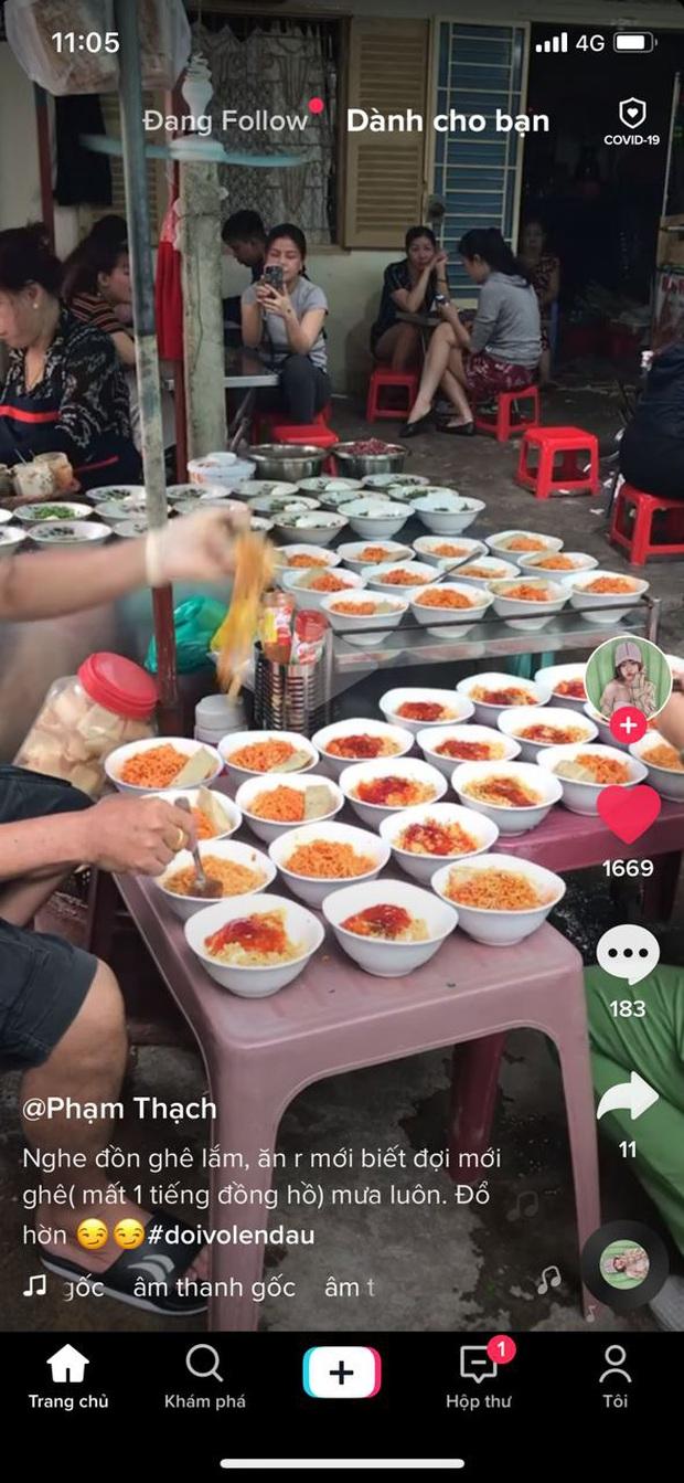 Tiệm mì chửi đắt khách nhất Sài Gòn bị khách phàn nàn vì đợi mất cả tiếng, ăn hết mì rồi súp mới được bưng ra? - Ảnh 1.