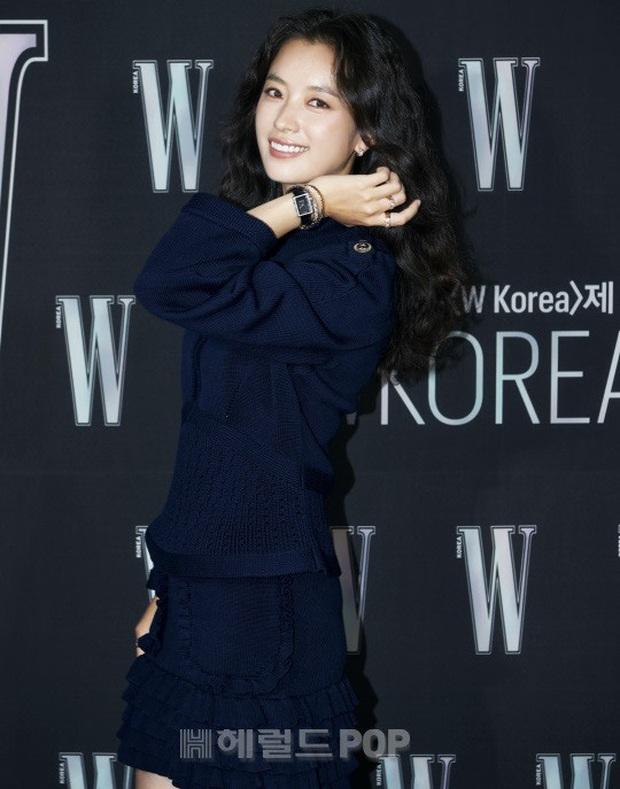 Gần nửa Kbiz đổ bộ sự kiện khủng: Park Min Young mặt cứng đờ, Jessica bị chê dừ chát, mỹ nhân Red Velvet đọ sắc bên Park Shin Hye - Ảnh 4.