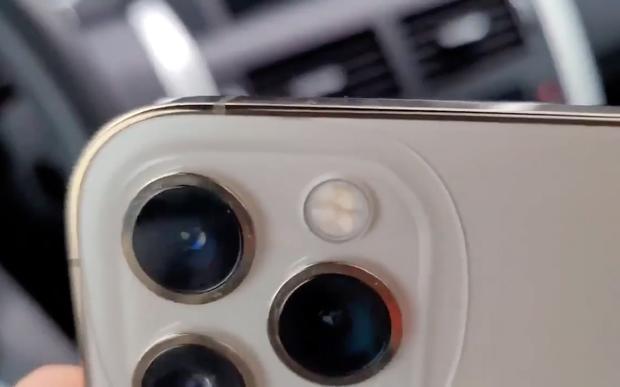 Xôn xao hình ảnh iPhone 12 Pro bị nứt, Apple nói gì? - Ảnh 3.