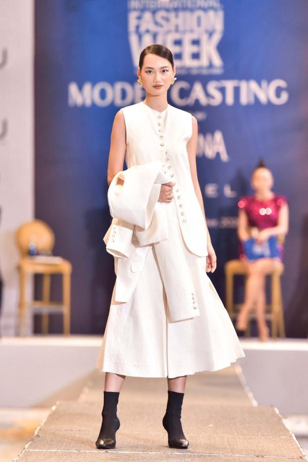 Drama giữa Mâu Thủy - Hương Ly kéo từ Model Kid ra tới tận buổi casting Tuần lễ Thời trang Quốc tế Việt Nam - Ảnh 1.