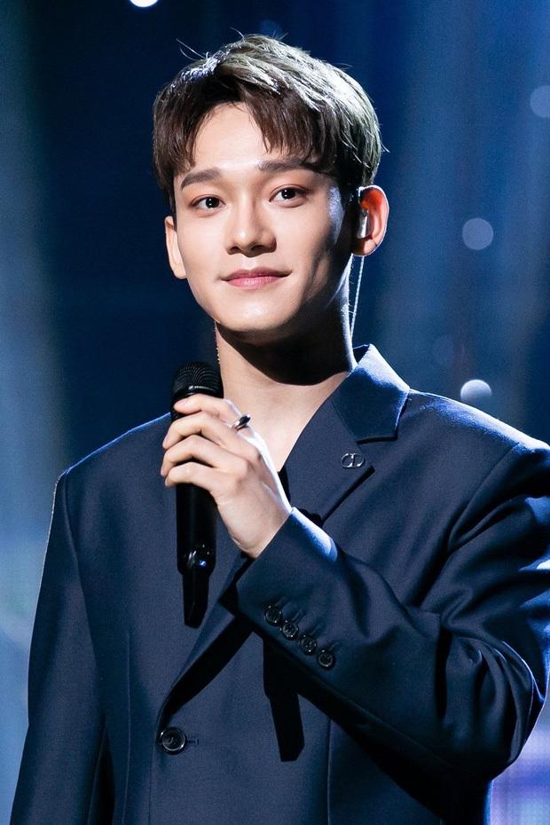 Ông bố bỉm sữa Chen chính thức lên đường nhập ngũ, hành động nhỏ hé lộ luôn tương lai của EXO sau lùm xùm cưới xin - Ảnh 6.