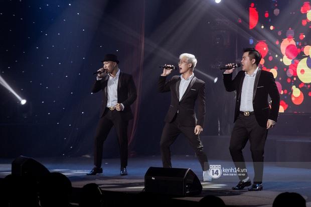 Uyên Linh - Quốc Thiên song ca tình tứ, Ái Phương hát bằng cả 2 thứ tiếng, Erik thăng hoa với hit trăm triệu view tại đêm nhạc Việt Nam Tử Tế - Ảnh 3.