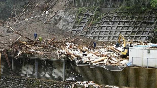 Bão số 9 Molave quét thẳng qua Philippines, 12 ngư dân mất tích, hàng vạn người phải di tản - Ảnh 2.