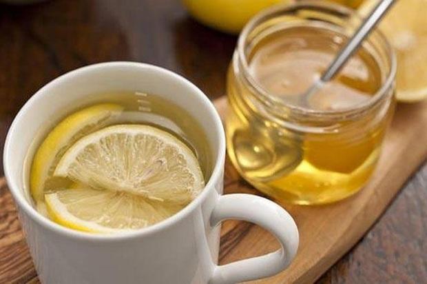 Thức dậy sớm và uống 2 loại nước này khi bụng đói chị em sẽ cải thiện được sức khỏe và nhan sắc ngay lập tức nhưng cũng cần nắm rõ lưu ý quan trọng - Ảnh 2.