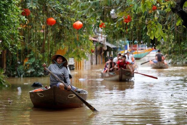 Bão số 9 năm nay được dự báo mạnh tương đương bão Damrey trong lịch sử, vậy bão Damrey từng có sức tàn phá kinh hoàng thế nào? - Ảnh 11.