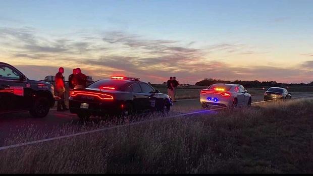 Tuýt còi dừng xe phạm luật giao thông, cảnh sát không ngờ bắt được nghi phạm vụ bắt cóc giết người tàn nhẫn xảy ra với 4 đứa trẻ - Ảnh 3.