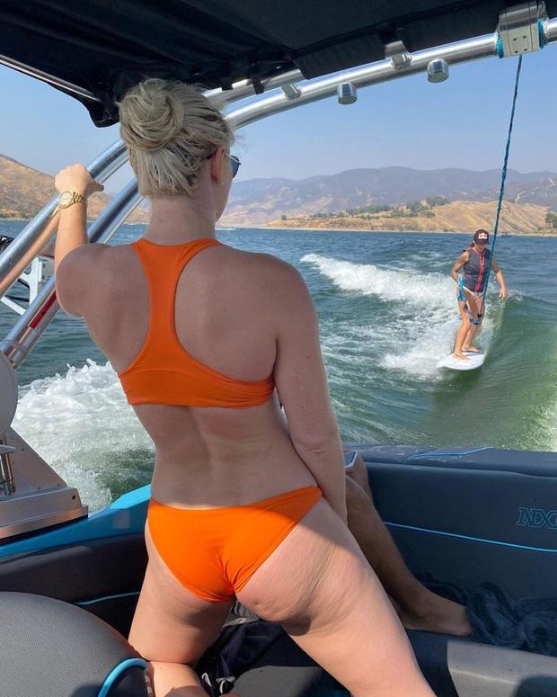 Nữ thần trượt tuyết Lindsey Vonn gây bất ngờ khi đăng loạt hình tự dìm bản thân, tâm thư xúc động sau đó được các fan nhiệt liệt ủng hộ - Ảnh 3.