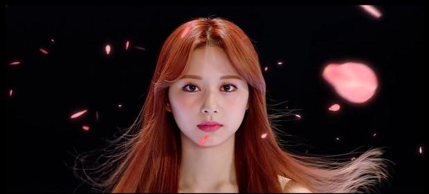 Jihyo là main vocal nhưng bị Nayeon hất cẳng trong MV mới của TWICE, visual mất hút nhưng chưa thảm bằng Momo - Ảnh 6.