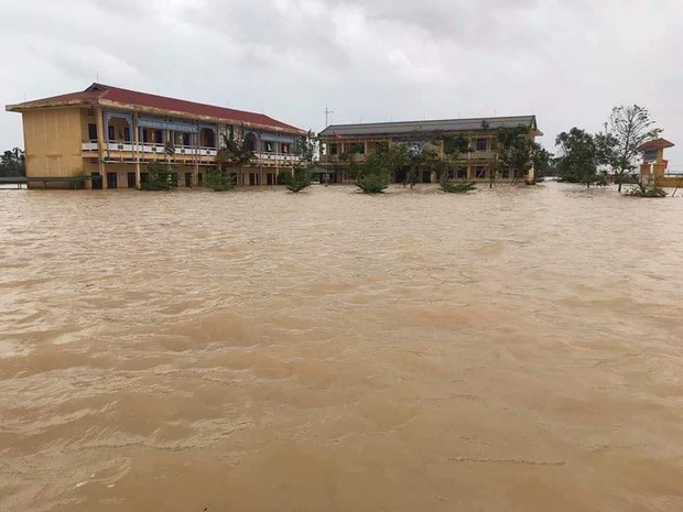 Đăng Khôi hỗ trợ tiền, xây dựng hệ thống nước sạch cho 4 điểm trường chịu ảnh hưởng nặng nề bởi bão lũ ở Huế - Ảnh 1.