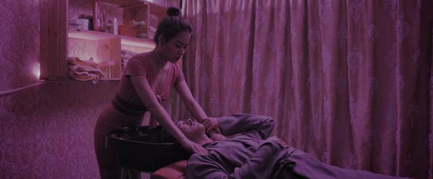 Án mạng, chung cư xuống cấp, gái mát-xa: Nét Sài Gòn thô mà thật ở phim Trái Tim Quái Vật? - Ảnh 9.