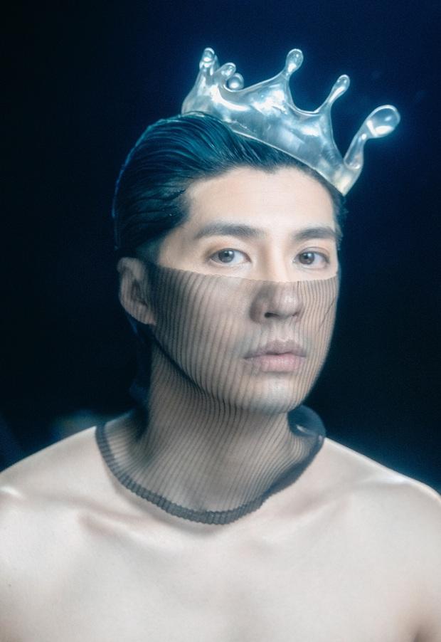 Noo Phước Thịnh bán nude đầy táo bạo trong MV chất nghệ, nhạc buồn lụi tim đúng như tuyên bố không hay không lấy tiền? - Ảnh 2.