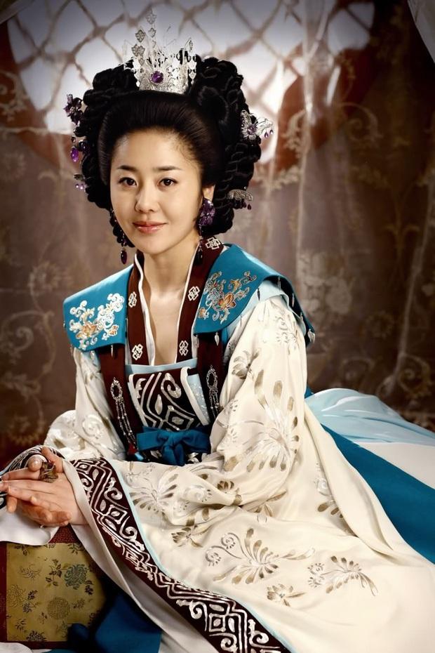 Đời trái ngược của 2 minh tinh làm dâu đế chế Samsung: Á hậu Hàn Quốc bị đối xử như giúp việc, diễn viên vô danh 1 bước lên bà hoàng - Ảnh 5.