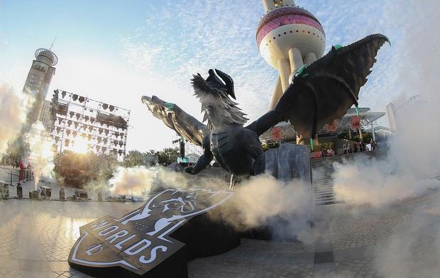 Không khí hoành tráng trước thềm Chung kết Thế giới LMHT 2020, fan Việt đếm ngược chờ ngày SofM làm nên lịch sử! - Ảnh 2.