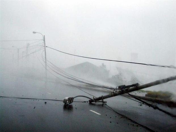 Nhìn lại những cơn bão với sức tàn phá kinh hoàng, được so sánh mạnh tương đương bão số 9 năm nay tại Việt Nam - Ảnh 6.