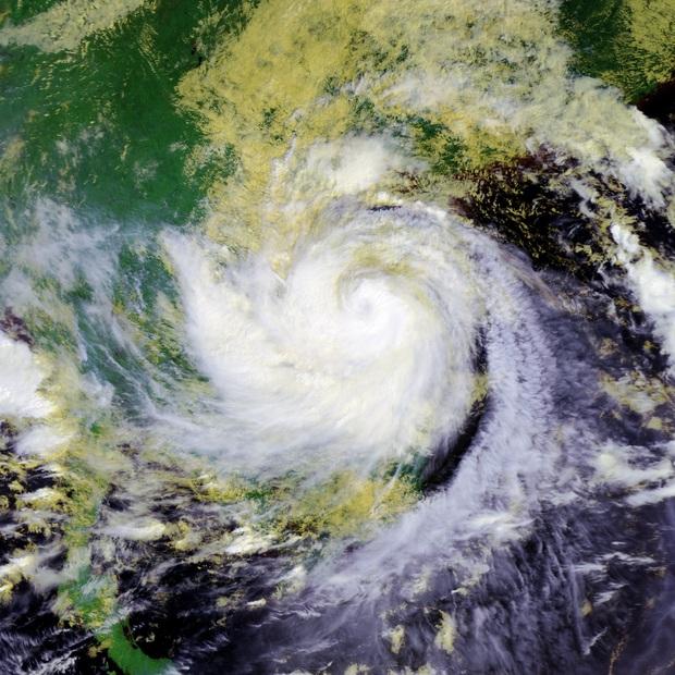 Nhìn lại những cơn bão với sức tàn phá kinh hoàng, được so sánh mạnh tương đương bão số 9 năm nay tại Việt Nam - Ảnh 9.