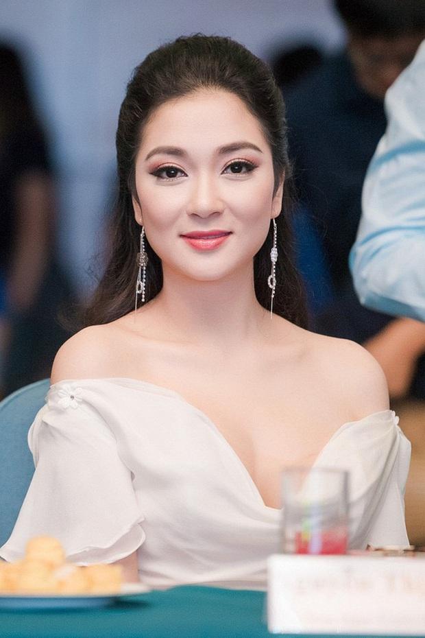 Sao Việt khiến fan nở mũi vì sở hữu học vị danh giá: Hoàng Thùy Linh có ý định học lên Tiến sĩ, Lê Âu Ngân Anh làm Thạc sĩ khi mới 24 tuổi - Ảnh 3.