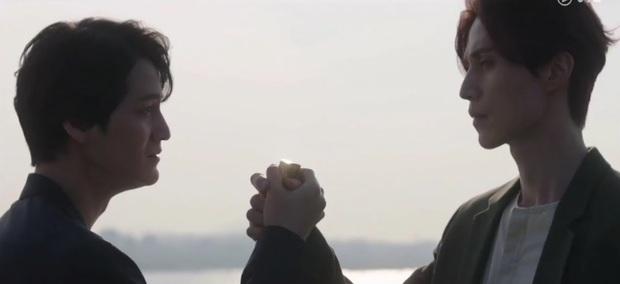 4 lý do khiến Bạn Trai Tôi Là Hồ Ly rớt giá: Đôi chính yêu đương gượng gạo, Lee Dong Wook y hệt thời Goblin - Ảnh 8.