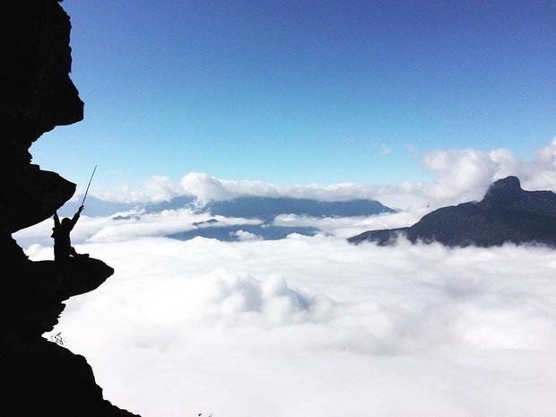 """Dân mạng truy lùng địa điểm săn mây đẹp bậc nhất Việt Nam: Xem ảnh mà ngỡ """"tiên cảnh"""" giữa đời thực, không phải ai cũng được check-in - Ảnh 11."""