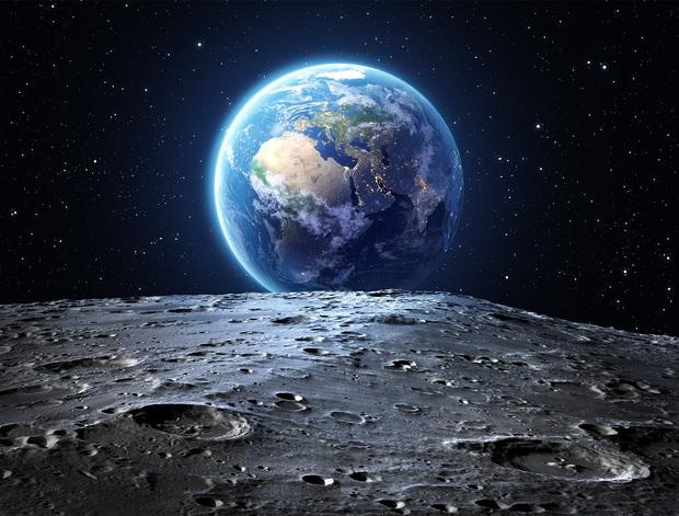NASA công bố phát hiện chấn động: Trên Mặt trăng có NƯỚC - Ảnh 1.