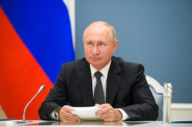 Tổng thống Nga Putin chính thức ra lệnh đeo khẩu trang bắt buộc trên toàn quốc, đối phó với Covid-19 đang lây lan quá nhanh - Ảnh 1.