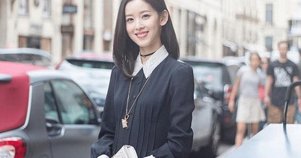 Nữ tỷ phú trẻ nhất Trung Quốc: 26 tuổi nắm trong tay gần 24 tỷ USD, đổi đời sau 1 đêm nhờ lấy chồng là đại gia công nghệ - Ảnh 1.