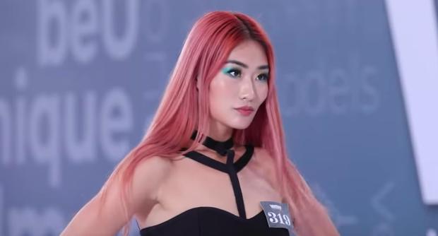 Next Top Model: Hot girl Singapore đọ độ bốc lửa với giám khảo Mâu Thuỷ - Ảnh 1.