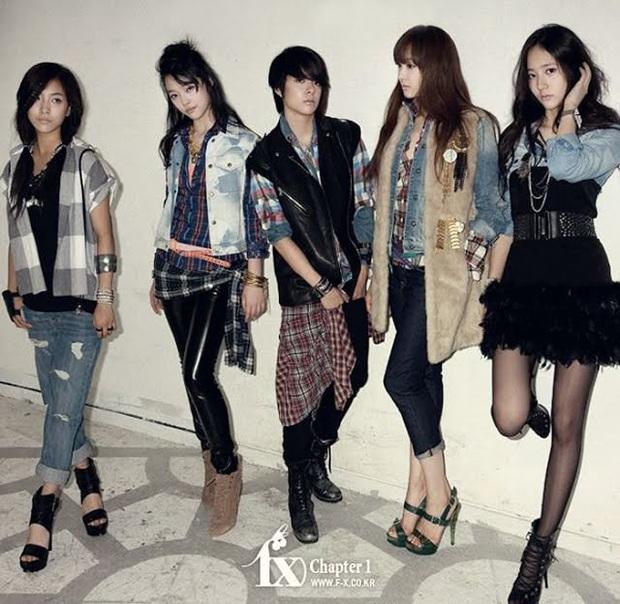 Netizen tranh cãi vì nhóm nữ mới trông chẳng giống idol nhà SM, visual ảo diệu không ấn tượng bằng SNSD, f(x) hay Red Velvet - Ảnh 4.