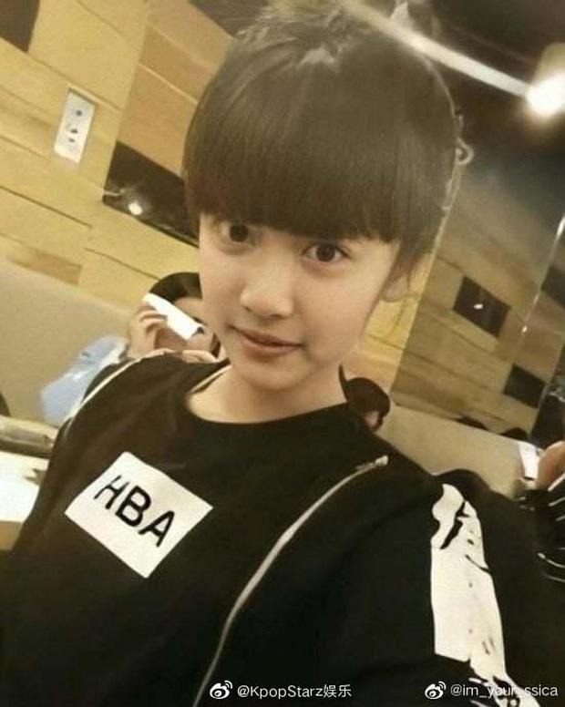 Mỹ nhân Trung Quốc mới của nhà SM: Style thời chưa son phấn khác một trời một vực, đúng là dậy thì thành công - Ảnh 4.