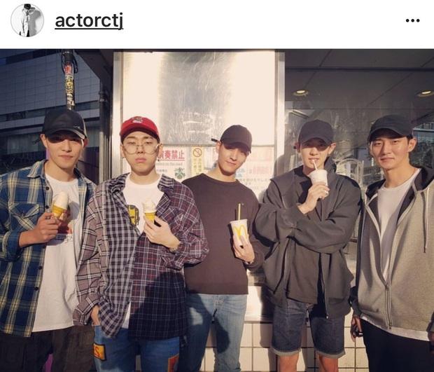 Sau phốt ngủ lang, Chanyeol (EXO) bị Knet đào lại vụ thân với kẻ cầm đầu chatroom tình dục Jung Joon Young và Jonghyun (CNBLUE) - Ảnh 3.