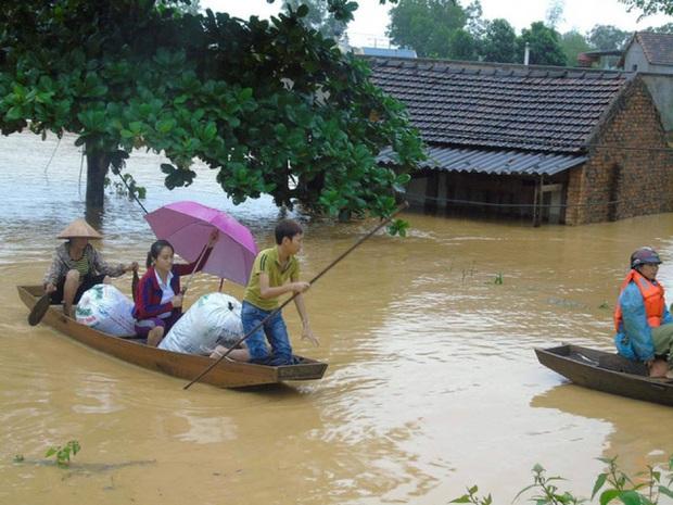 Quiz: Những điều đơn giản nhưng không phải ai cũng biết về cách xử trí lúc khẩn cấp giúp an toàn đi qua mùa mưa bão - Ảnh 1.