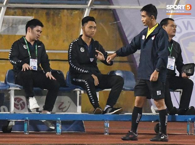 Chủ tịch 9x của Hà Nội FC ăn mừng hụt, hồi hộp đến mức không dám xem khi Hà Nội FC gặp khó - Ảnh 2.