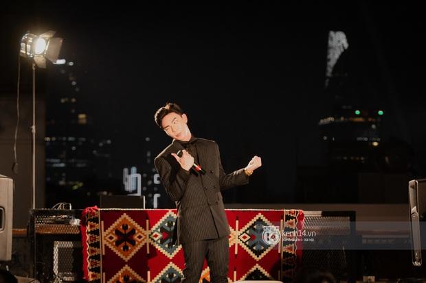Erik đỏ bừng mặt vì diễn hết mình, Văn Mai Hương khoe giọng đỉnh, Lynk Lee mặc đầm công chúa đáng yêu trong đêm nhạc từ thiện - Ảnh 24.