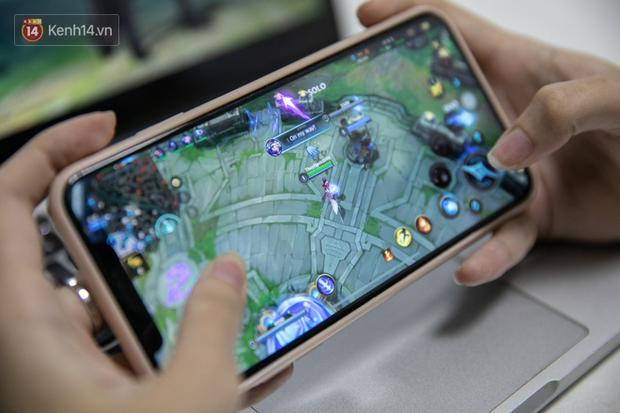 Nghe gái xinh từng nghiện cả LMHT lẫn Liên Quân Mobile trải nghiệm game Tốc Chiến: Chơi trên iPhone cực kì mượt, game hay miễn bàn! - Ảnh 4.