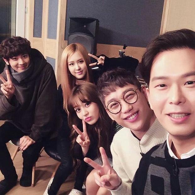Rosé bị réo tên vì loạt ảnh ghép với Chanyeol (EXO) giữa bão scandal, khởi nguồn cơ sự là từ sân khấu ngọt lịm này đây! - Ảnh 9.
