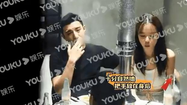 Bạn trai màn ảnh Triệu Lệ Dĩnh: Trai hư nghiện thuốc lá lại quen bạn gái tới tấp, từng suýt bỏ mạng vì mạo hiểm ngày bão lũ - Ảnh 14.