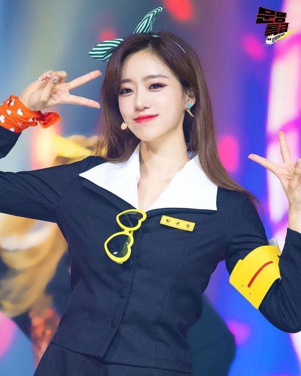 T-ara bất ngờ mang hit Roly Poly lên sân khấu, fan hoài niệm về thời kỳ hoàng kim đỉnh cao nhưng đầy tiếc nuối của nhóm - Ảnh 5.