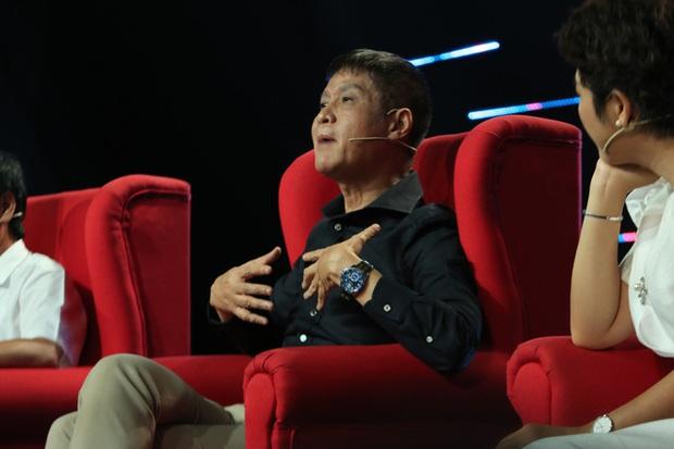 Quyền Linh chính thức lên tiếng khi bị chê không có kiến thức căn bản làm MC, đạo diễn Lê Hoàng phản ứng bất ngờ - Ảnh 3.