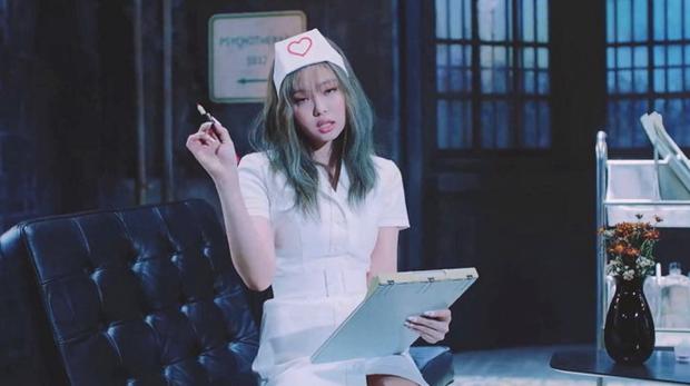 NÓNG: Liên đoàn Nhân viên Y tế Hàn Quốc gay gắt chỉ trích Jennie (BLACKPINK) tình dục hoá y tá, yêu cầu YG lên tiếng - Ảnh 2.