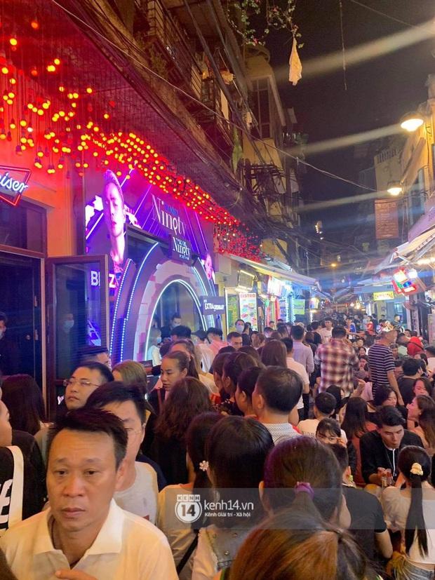 Binz và Miu Lê khiến Tạ Hiện thất thủ khi mọi con đường dẫn đến nơi diễn ra đêm nhạc đều tắc cứng - Ảnh 4.