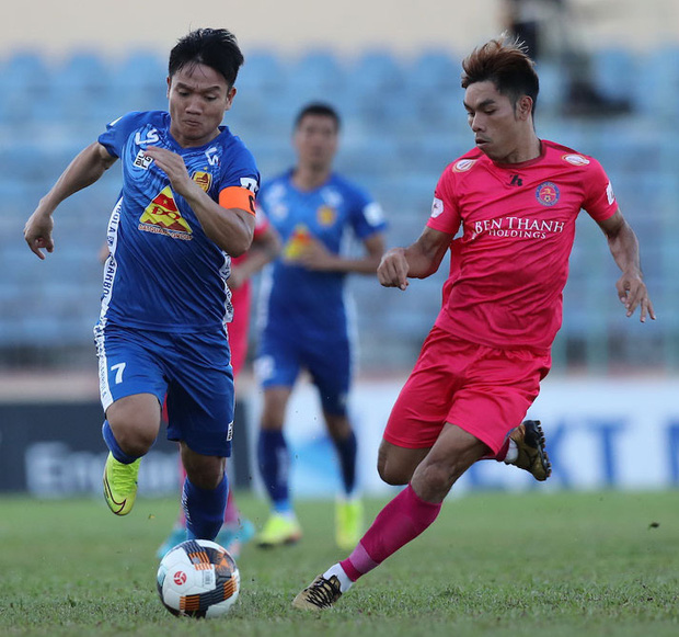 Đội hình tiêu biểu giai đoạn 1 V.League 2020: Công Phượng sát cánh bạn thân và đồng hương thầy Park - Ảnh 7.