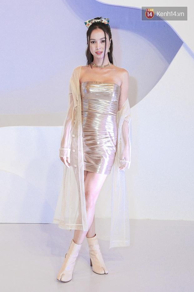 Linh Ka lần đầu diện váy xẻ ngực hun hút chặt đẹp các đàn chị, Quỳnh Anh Shyn - Đức Phúc đọ tóc dự show Chung Thanh Phong - Ảnh 12.