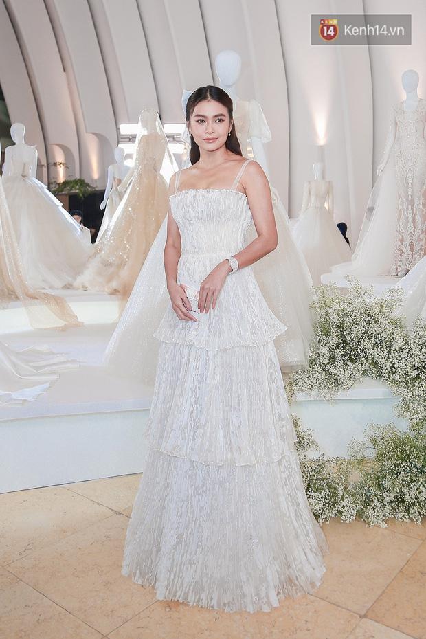 Linh Ka lần đầu diện váy xẻ ngực hun hút chặt đẹp các đàn chị, Quỳnh Anh Shyn - Đức Phúc đọ tóc dự show Chung Thanh Phong - Ảnh 6.