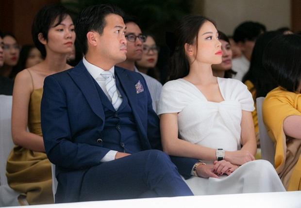 Linh Rin tung tin nhắn được Phillip Nguyễn dỗ ngọt khi giận hờn, vô tình lộ tên đặc biệt cho bạn trai đại gia trong danh bạ - Ảnh 4.